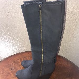 Fergalicious blue boots 👢. Size 7.5